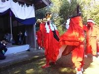秋葉神社で奉納